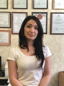 Умерова Карина Абдурахмановна Образование: Высшее медицинское